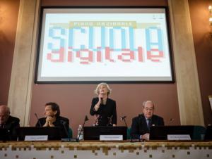 """Scuola Digitale, Ministro Giannini Presenta Il Piano: """"Un Miliardo Di Euro Per L'innovazione"""""""